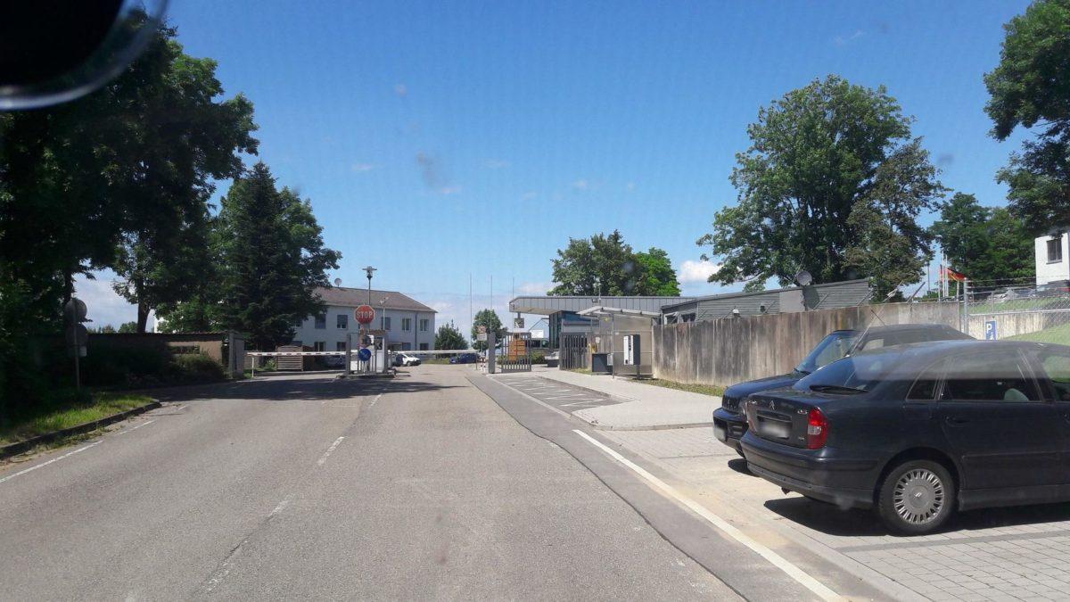 Friedensbewegung hält an der Umbenennung der Speidel-Kaserne in Bruchsal fest